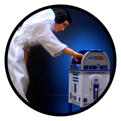 Princess Leia and an R2-D2 mailbox